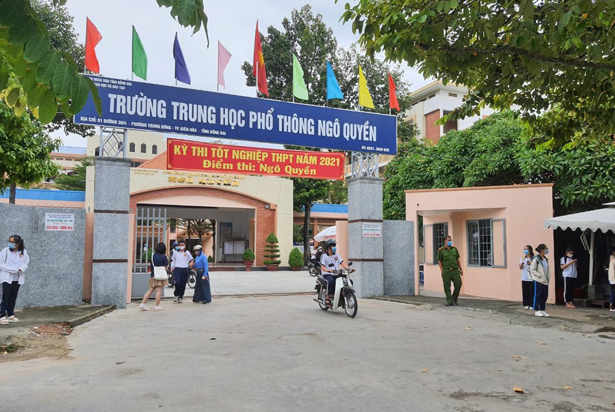 Trường THPT Ngô Quyền, TP Biên Hòa trong thời gian thi tốt nghiệp THPT tháng 7. Ảnh: Phước Tuấn