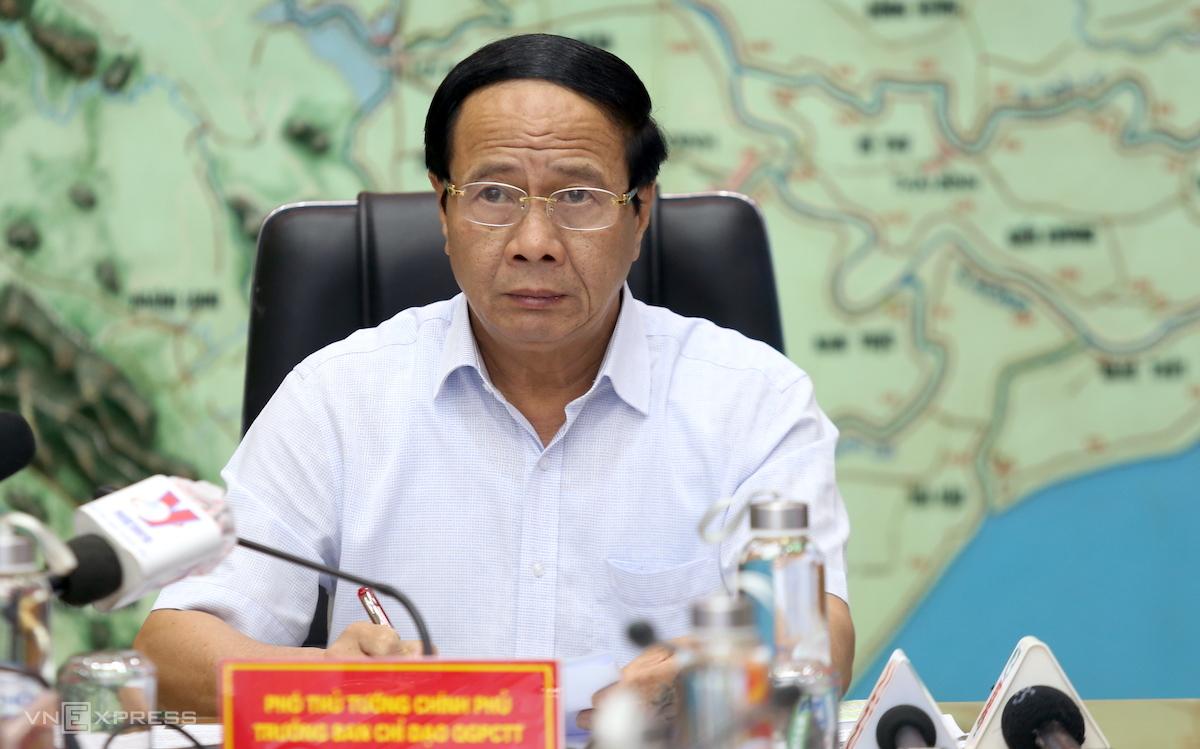 Phó Thủ tướng Lê Văn Thành chỉ đạo công tác chống bão, chiều 12/10. Ảnh: Gia Chính