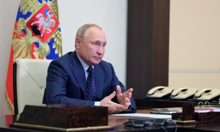 Tổng thống Nga Vladimir Putin dự cuộc họp với Hội đồng An ninh hôm 11/10. Ảnh: Reuters.