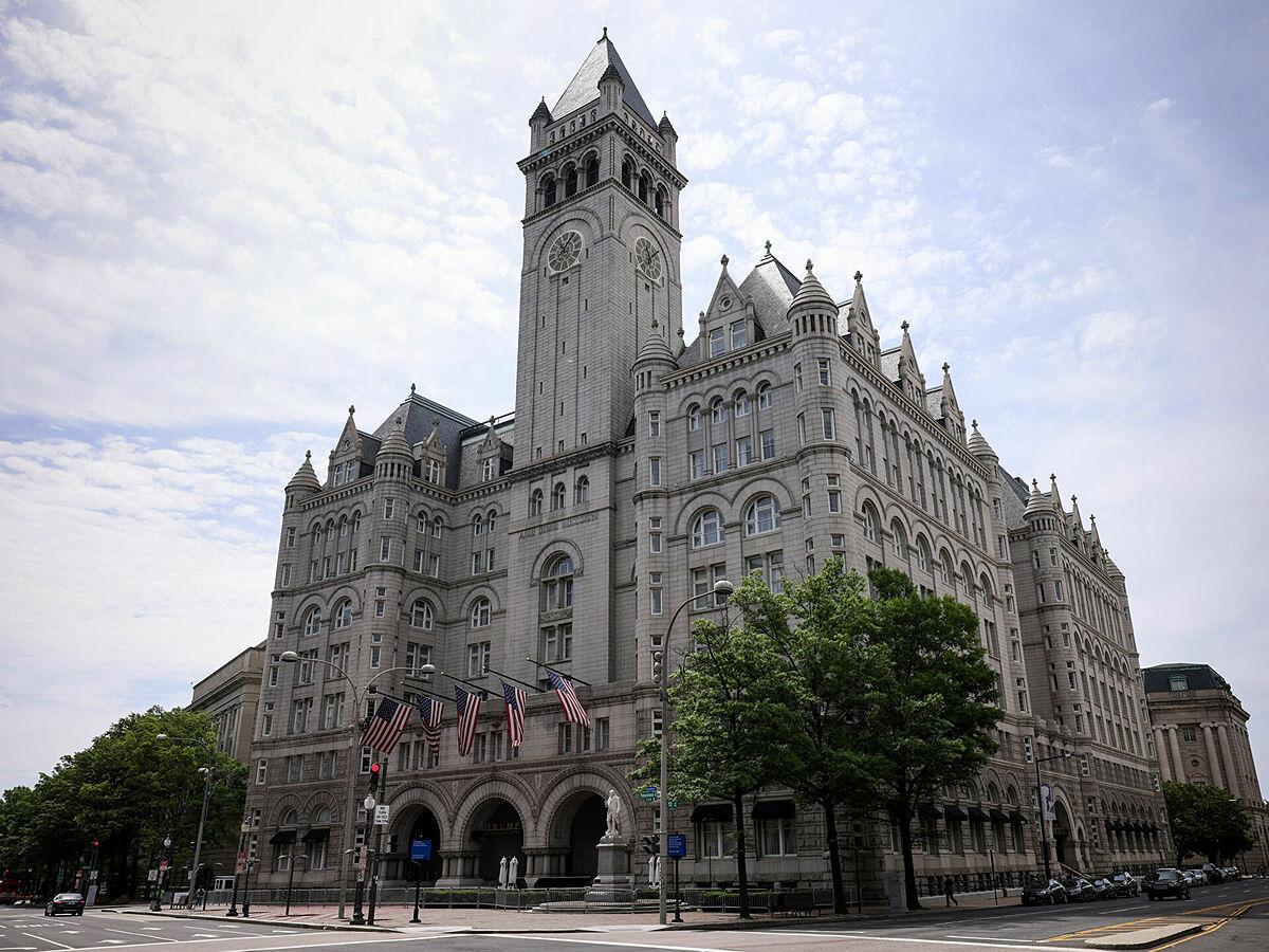 Khách sạn Trump International tại thủ đô Washington, Mỹ. Ảnh: AFP