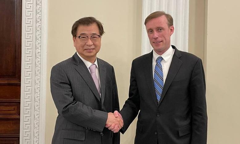 Cố vấn Suh Hoon (trái) và người đồng cấp Mỹ Sullivan trong cuộc gặp tại thủ đô Washington DC hôm 12/10. Ảnh: Yonhap.