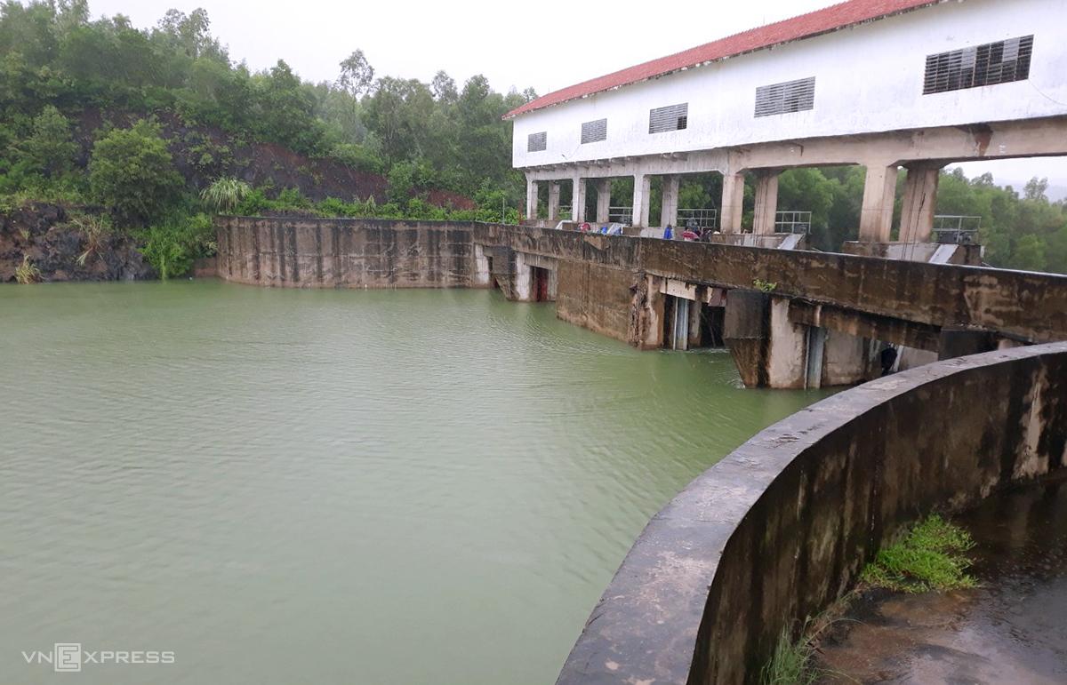 Hồ Vực Mấu hồi cuối tháng 9. Ảnh: Nguyễn Hải