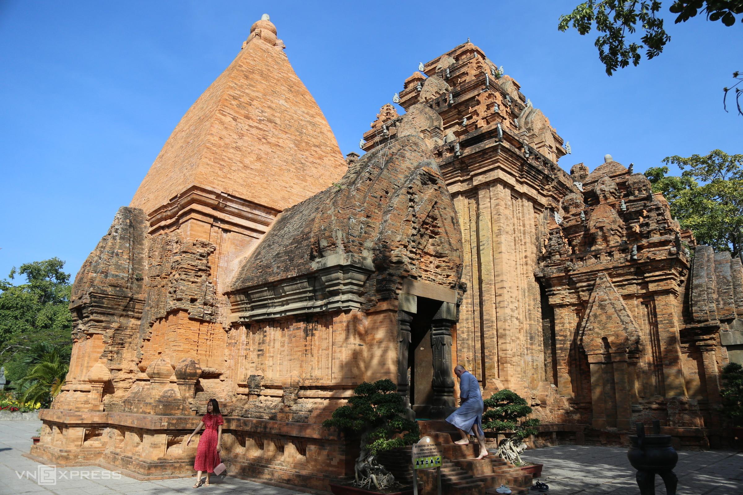 Một góc tháp bà Ponagar ở Nha Trang thường thu hút du khách. Ảnh: Xuân Ngọc