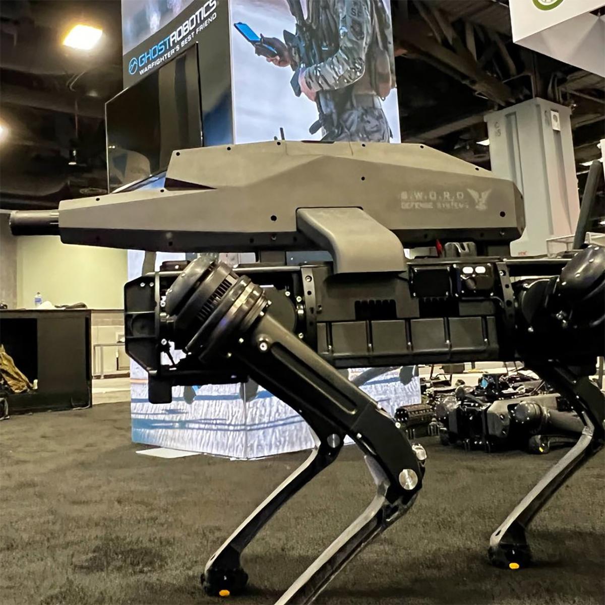 Chó robot SPUR tại triển lãm trong hội nghị của Hiệp hội Lục quân Mỹ ở thủ đô Washington ngày 11/10. Ảnh: Twitter/AbraxasSpa.