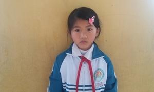 Cô bé nhà nghèo nhiều lần xin đóng học phí trễ